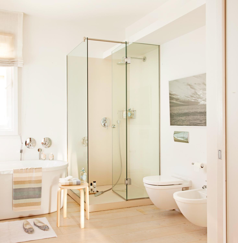 Reformas expr s para renovar tu casa en 48h for Banos de color blanco
