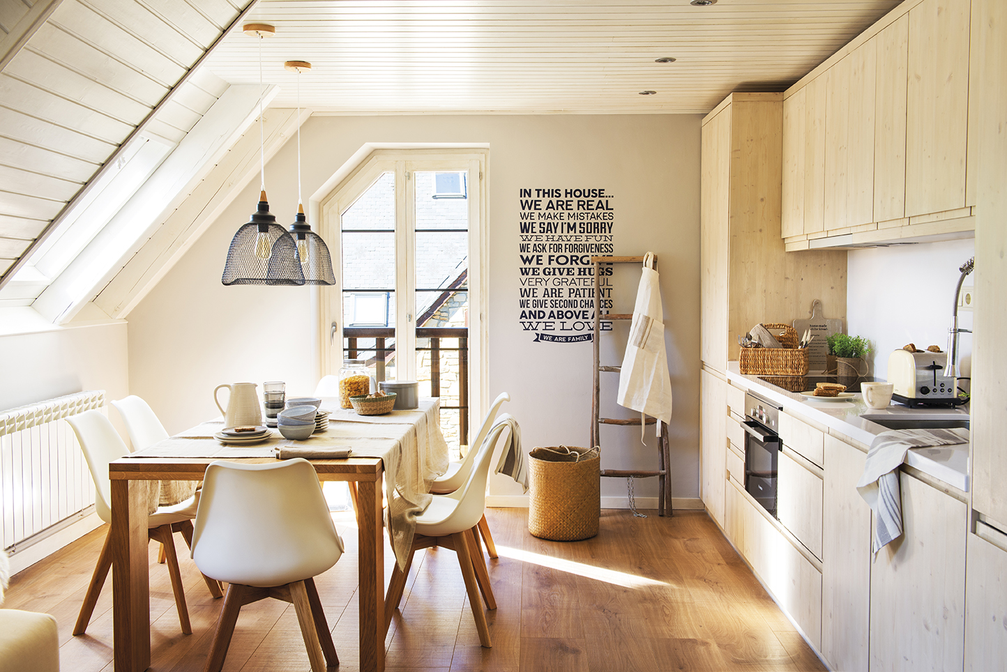 cocina con office escalera de pared decorativa vinilo lmparas de sobremesa sillas