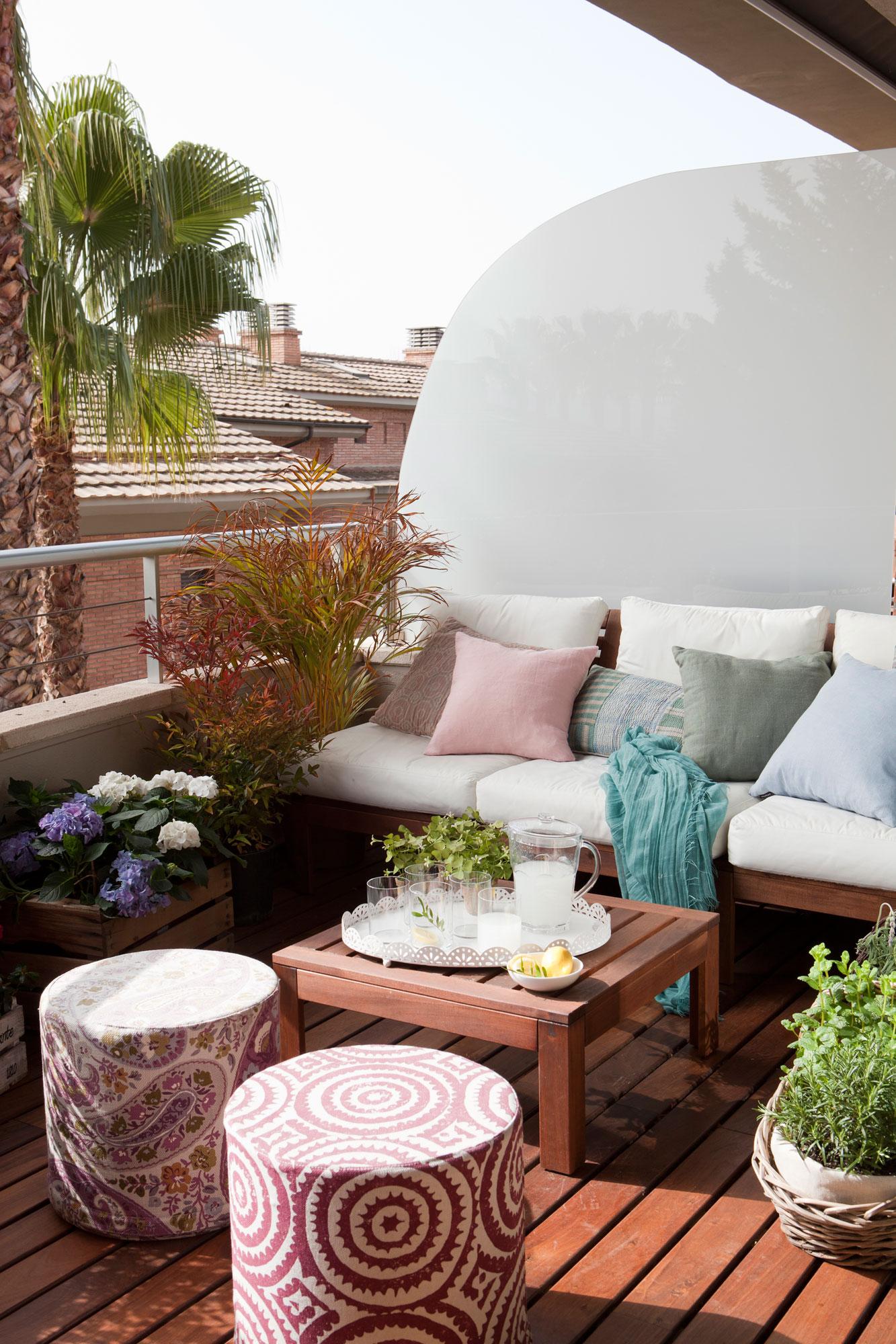 Terrazas muebles mesas e ideas para tu terraza el mueble for Ideas suelo terraza