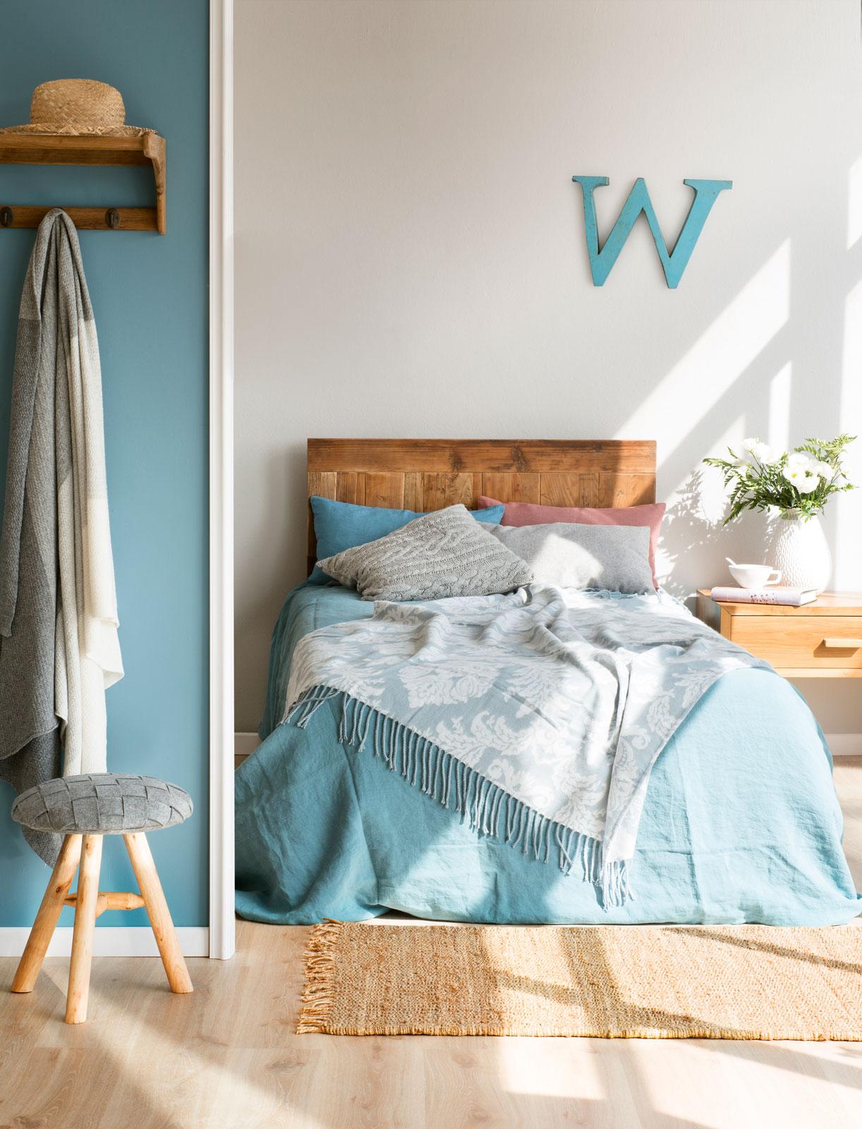 Sigue la regla del 60 30 10 y combina colores con xito for Dormitorio azul y gris