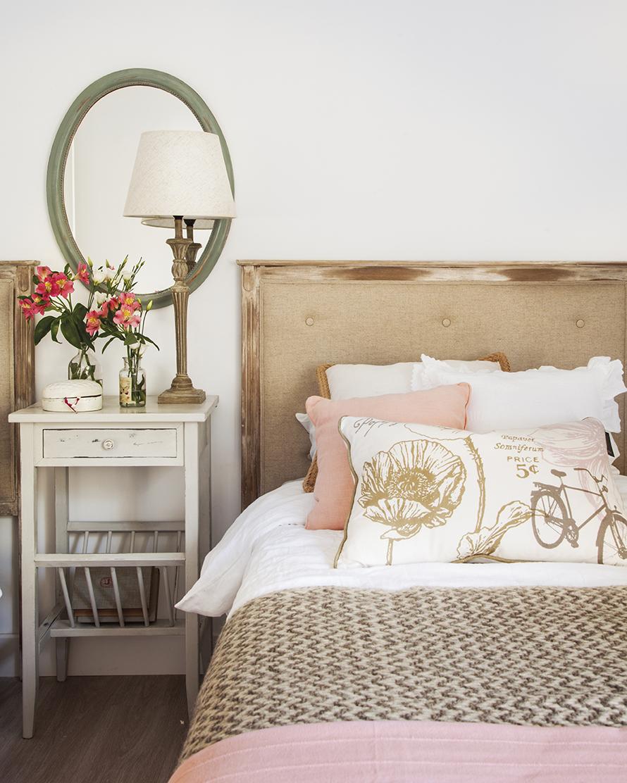 Segunda vida para la casa de tu infancia - Decorar cama con cojines ...
