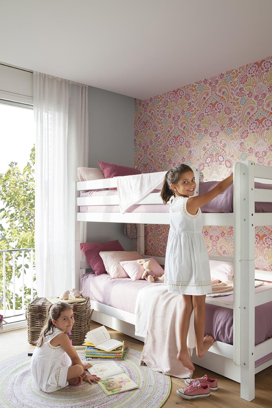 Un piso en barcelona de una familia viajera - Dormitorio infantil nina ...