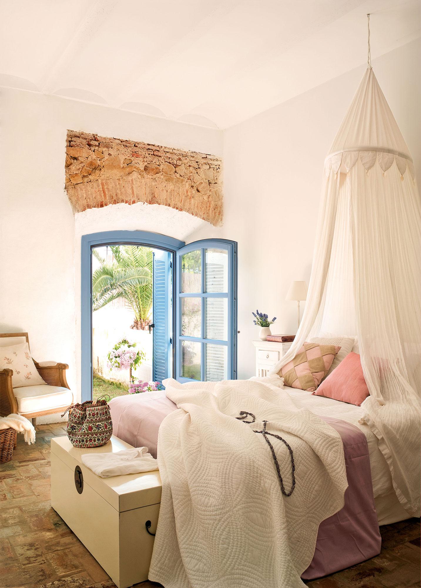 Dormitorios frescos viste tu habitaci n para el verano - Cama con dosel ...