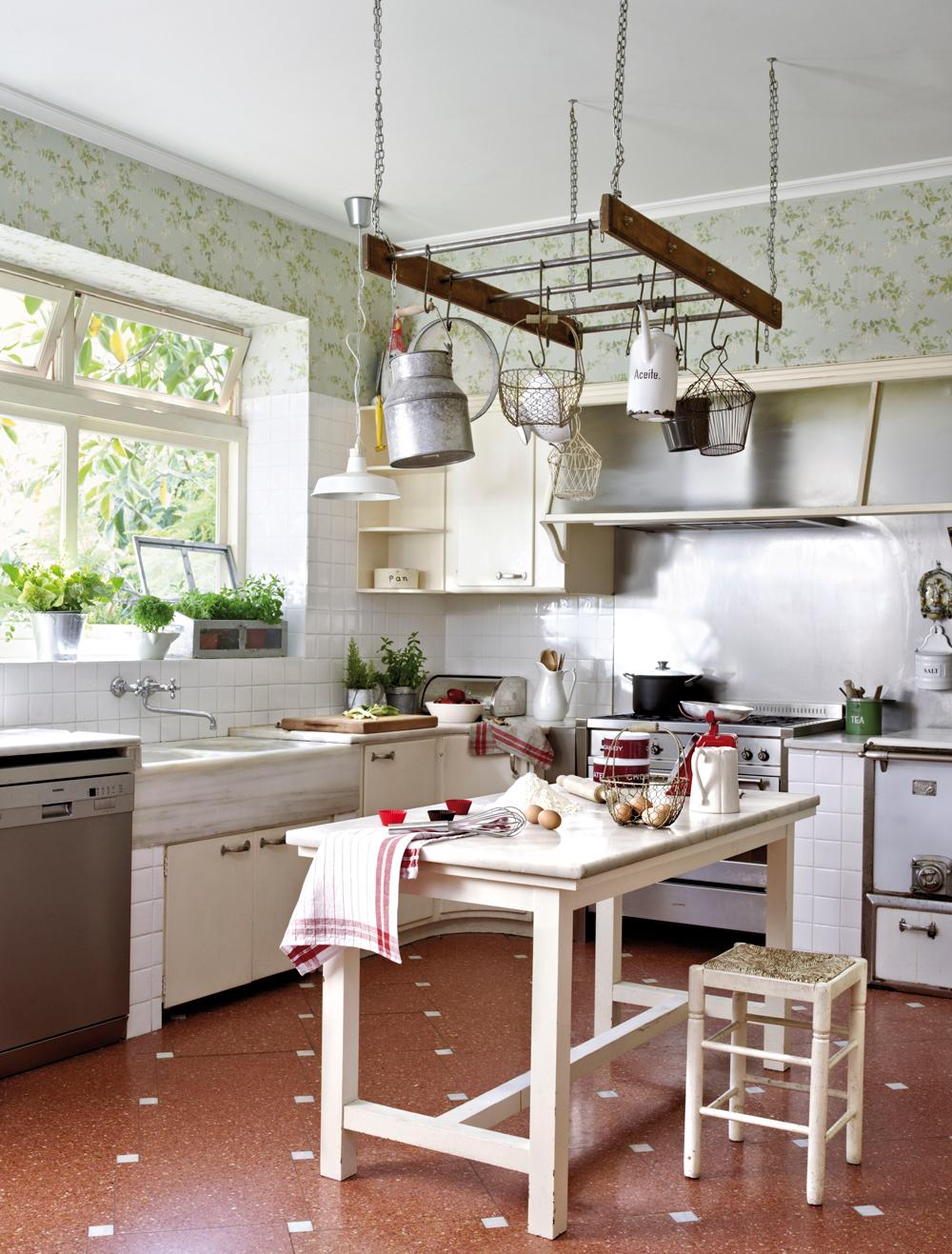 Muebles y complementos que se cuelgan - Mesa de cocina rustica ...