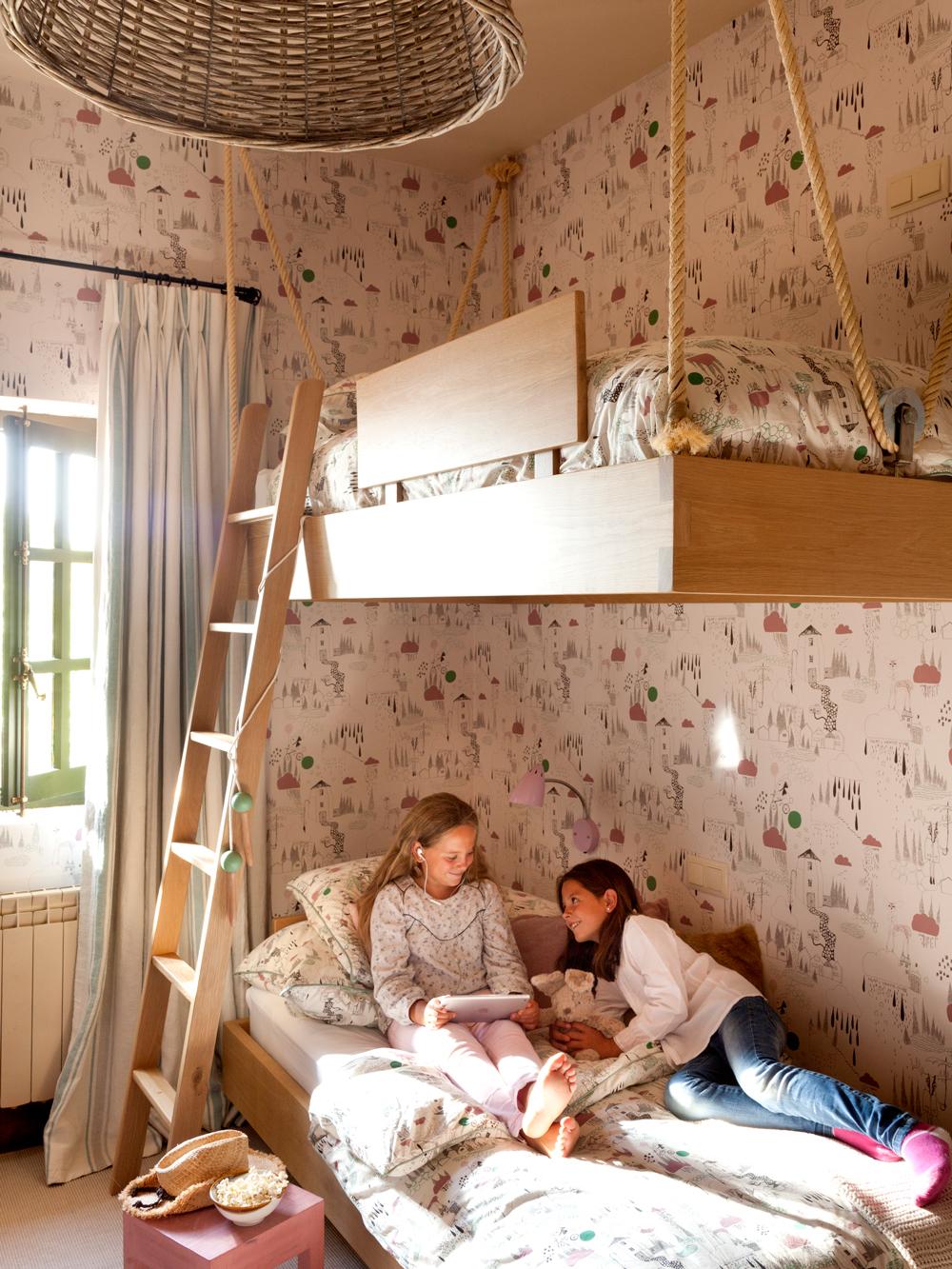 Muebles y complementos que se cuelgan for Cama voladora