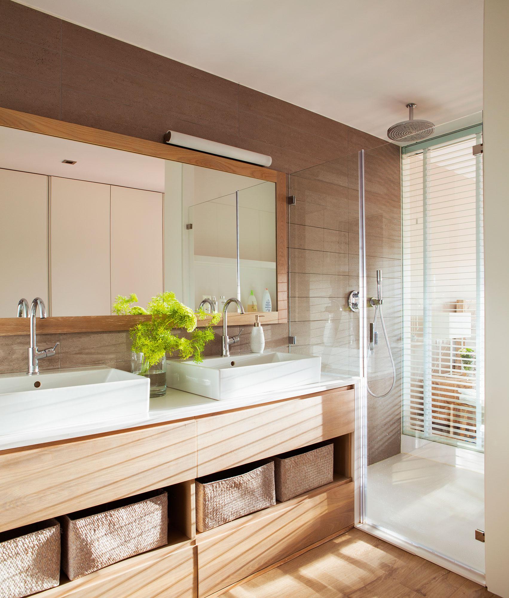 Muebles ba o decoraci n accesorios mamparas y azulejos for Muebles para dentro ducha