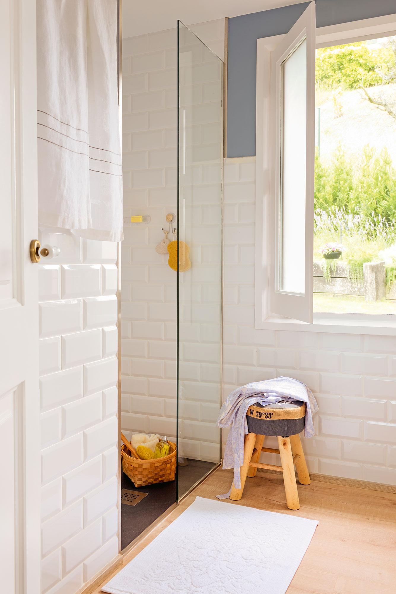 Elegir la mampara del ba o qu debes tener en cuenta para for Bano con jacuzzi y ducha planos