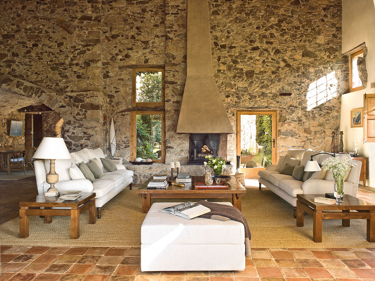 Una preciosa mas a r stica centenaria en el empord - Interiores casas rusticas ...