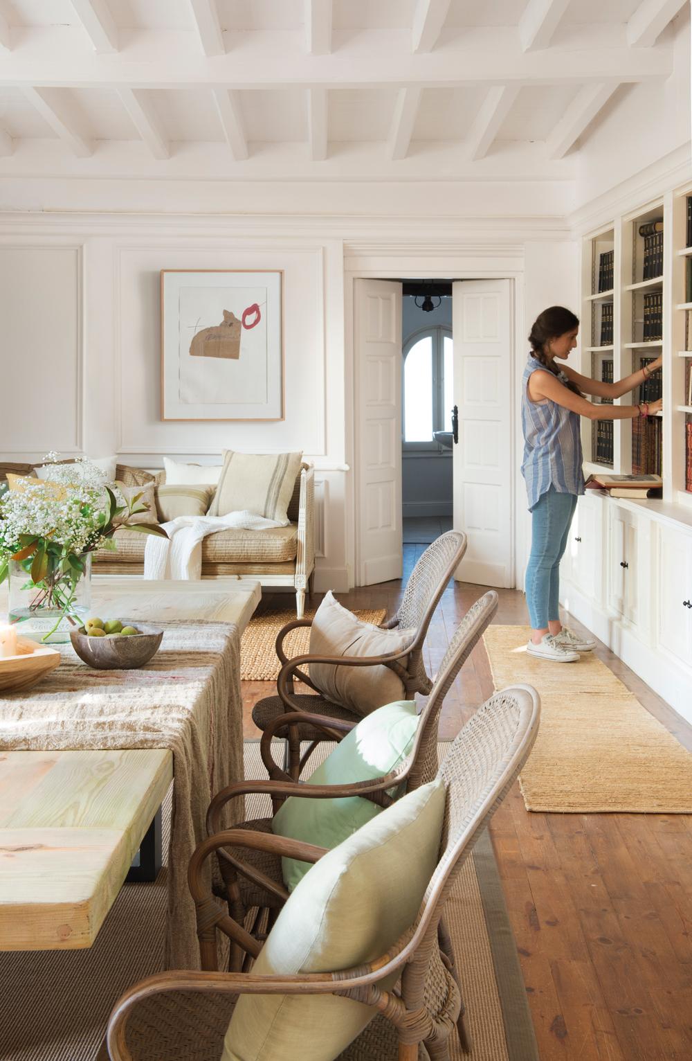 Cu nto deben medir tus muebles para ser c modos - Cuanto puede costar tapizar un sofa ...