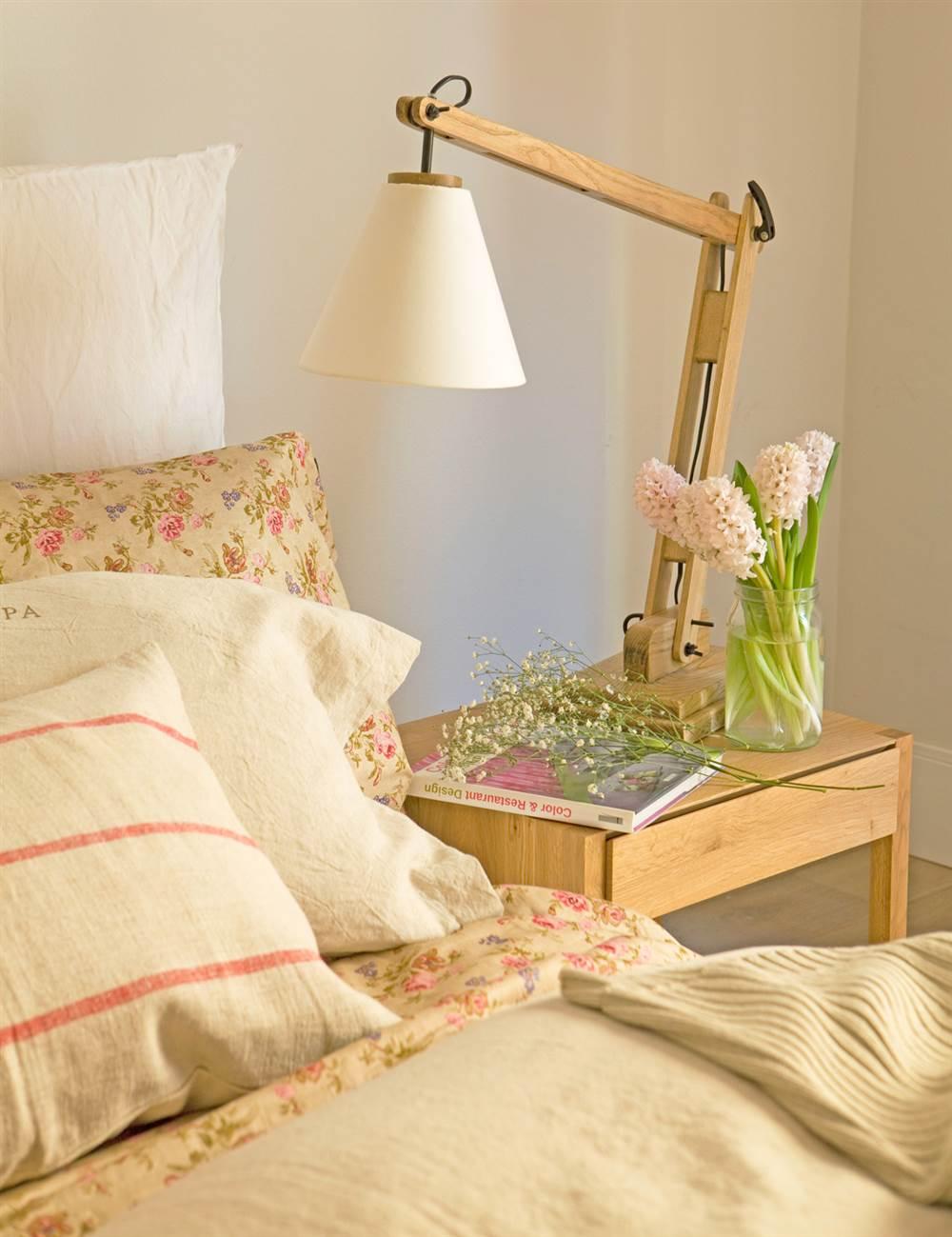 Lamparas para leer en la cama gallery of aplique de pared - Lamparas lectura cama ...