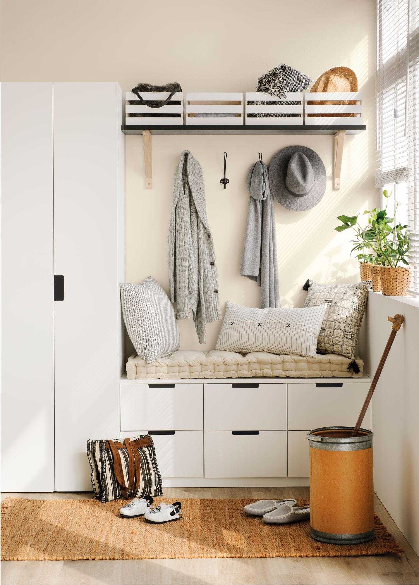 10 desastres decorativos que no hay que cometer en el - Muebles para recibidor pequeno ...