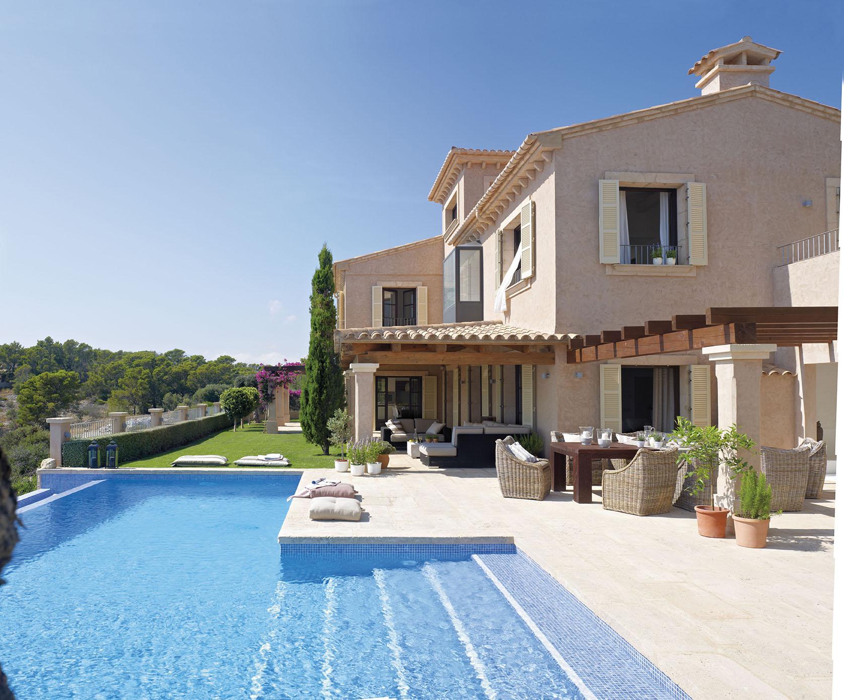 Un precioso mirador a la bah a - Casa de verano con piscina ...