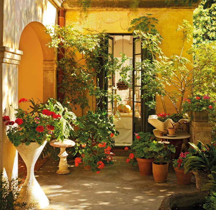 15 rincones de exterior con encanto for Jardines con encanto fotos