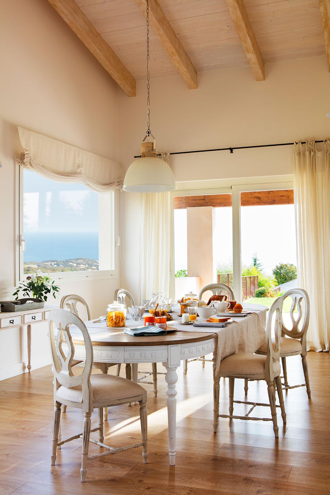 Mesas de comedor c mo elegir tu mesa de comedor perfecta for Mesa blanca y madera