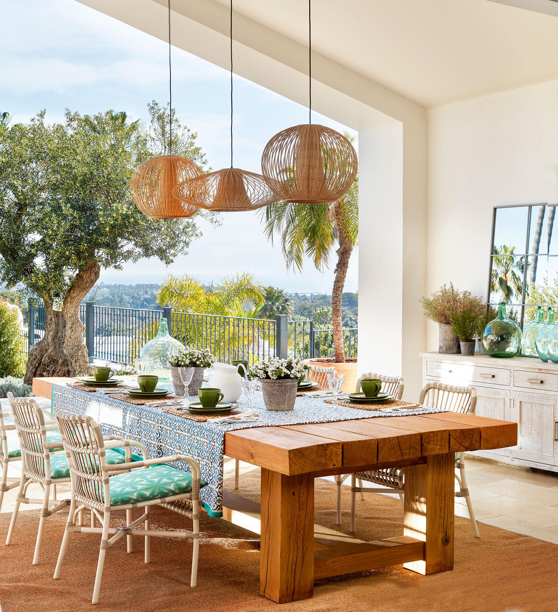 Mesas de comedor c mo elegir tu mesa de comedor perfecta - Sillas de forja para comedor ...