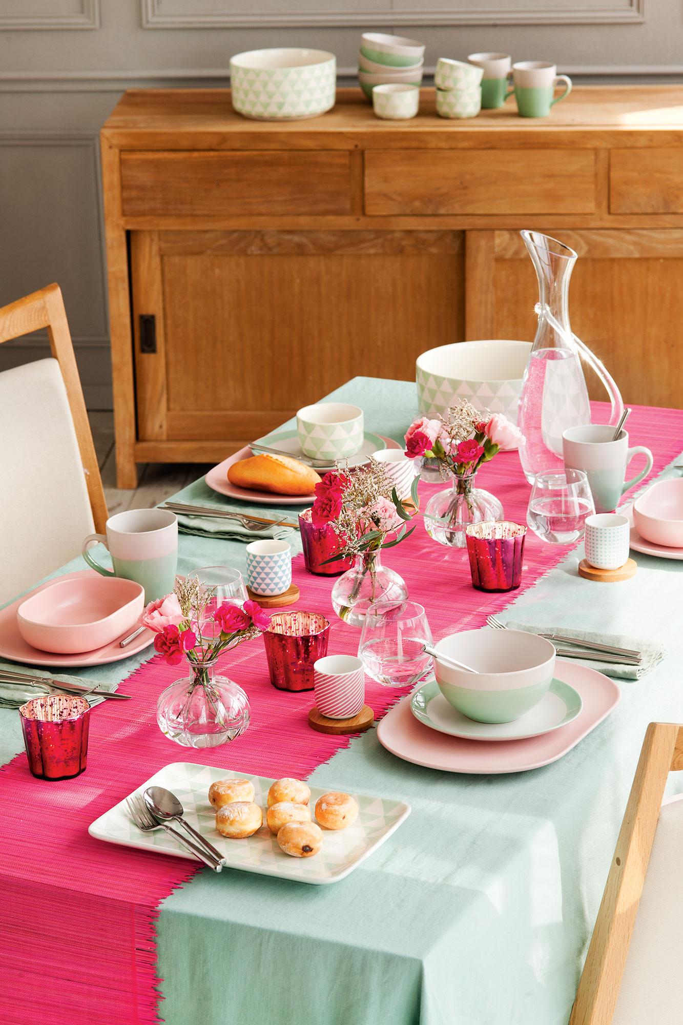 Decorar la mesa de primavera - Decorar una mesa de comedor ...
