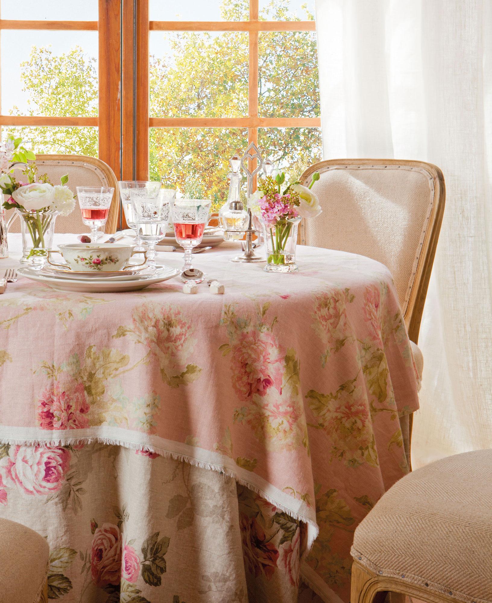 14 looks para vestir la mesa de primavera for Tela para manteles de mesa
