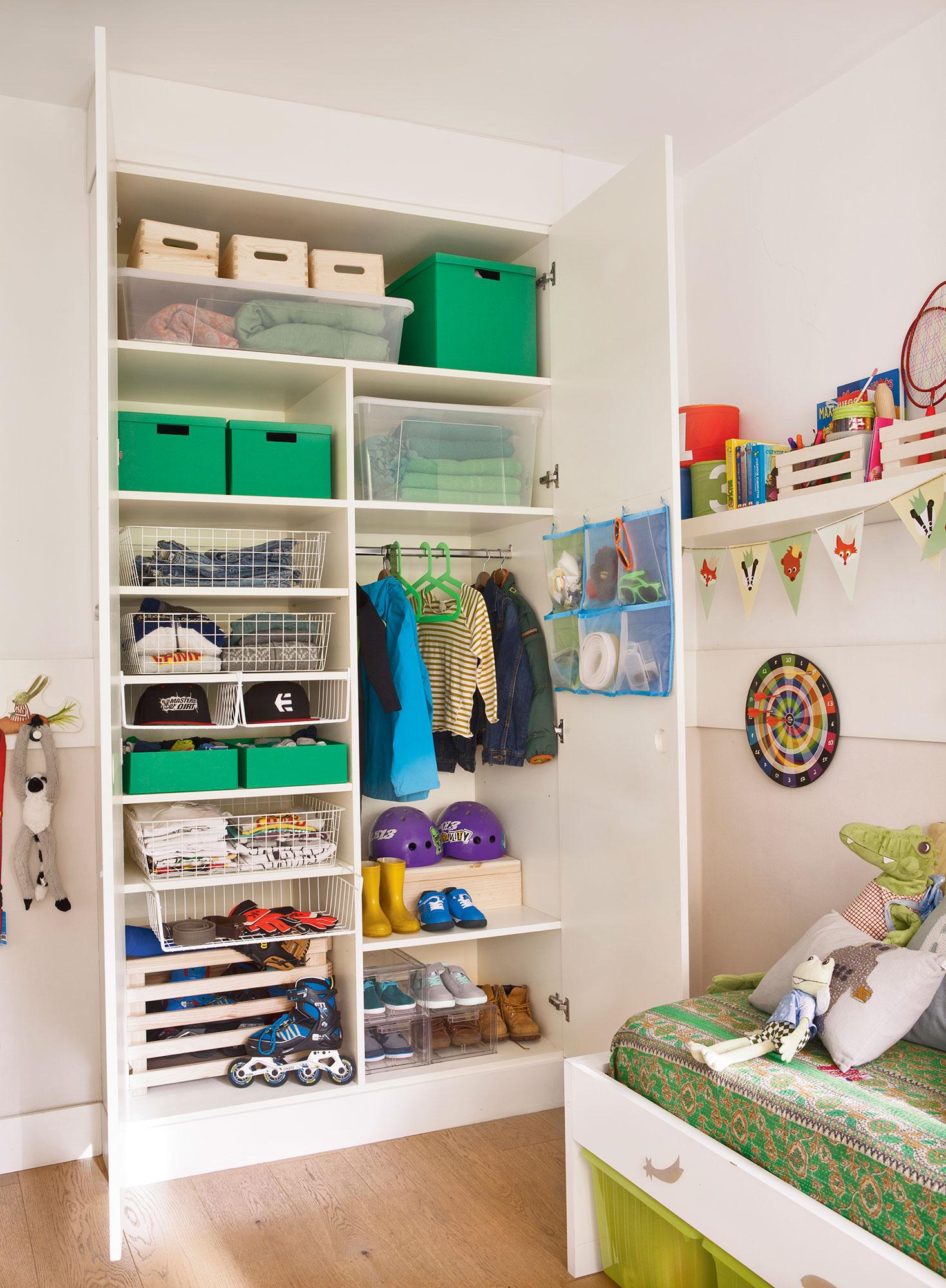 Claves del orden ideas y trucos para ganar espacio for Armario habitacion infantil
