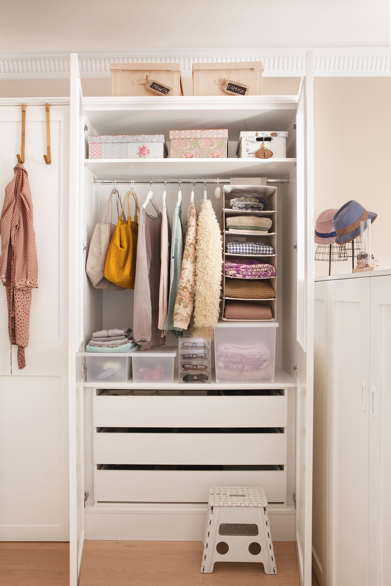 Claves del orden ideas y trucos para ganar espacio for Ideas interior armario