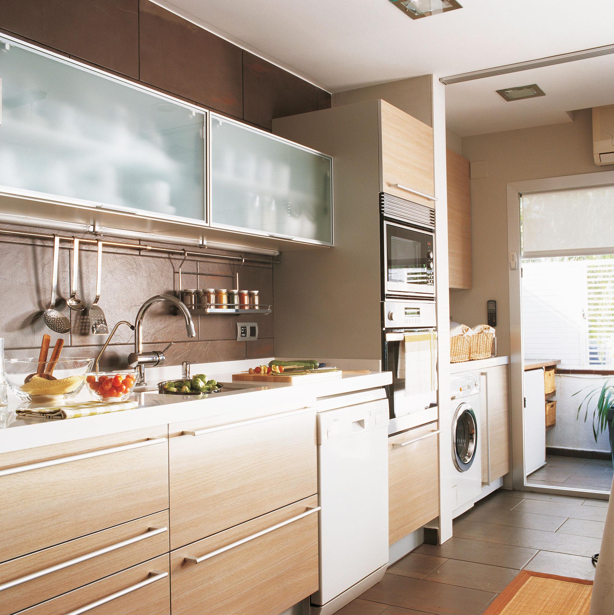 d nde poner la lavadora en casa On cocinas pequenas con lavadero
