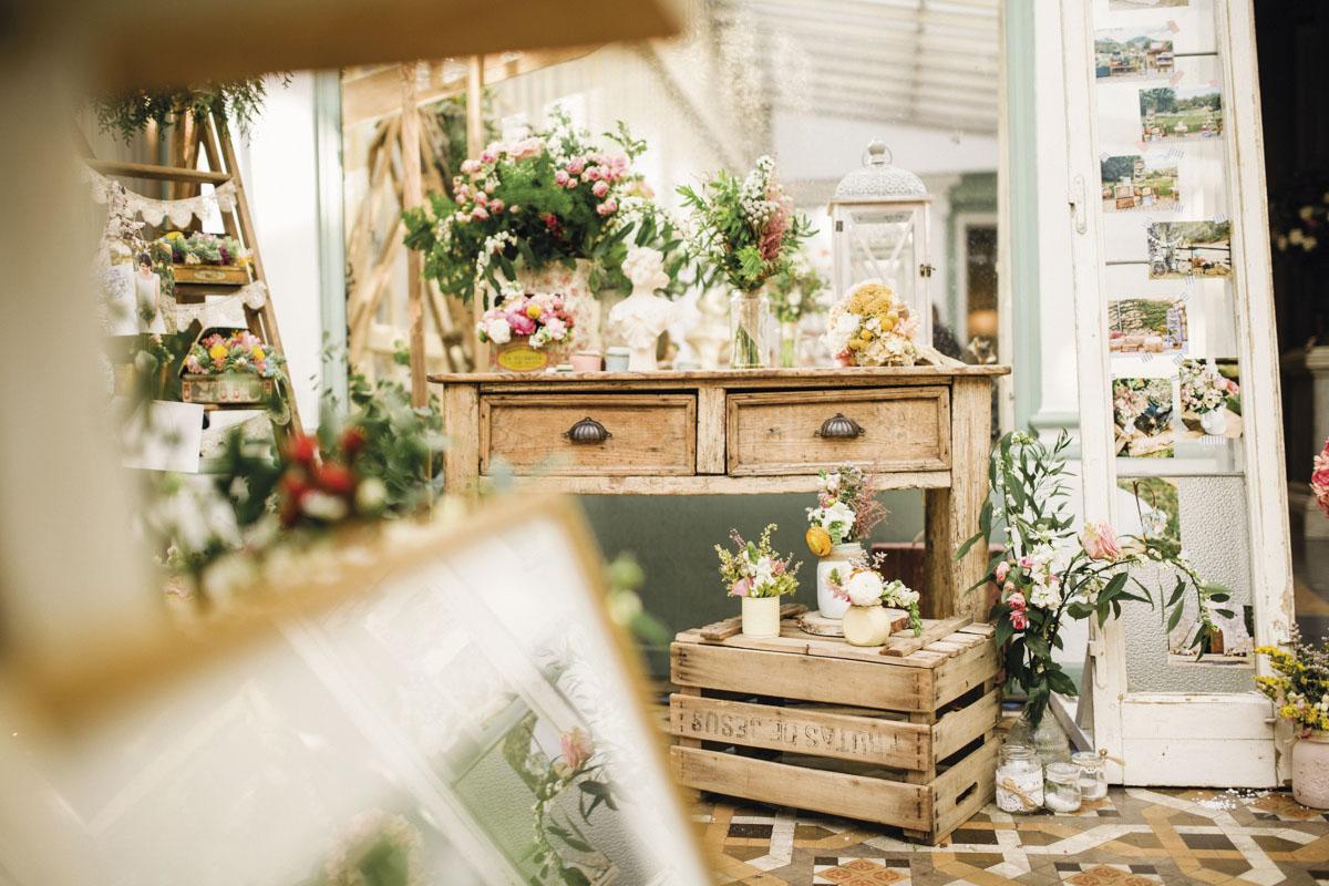 Entrevista a flores en el columpio - Decoracion de jarrones ...