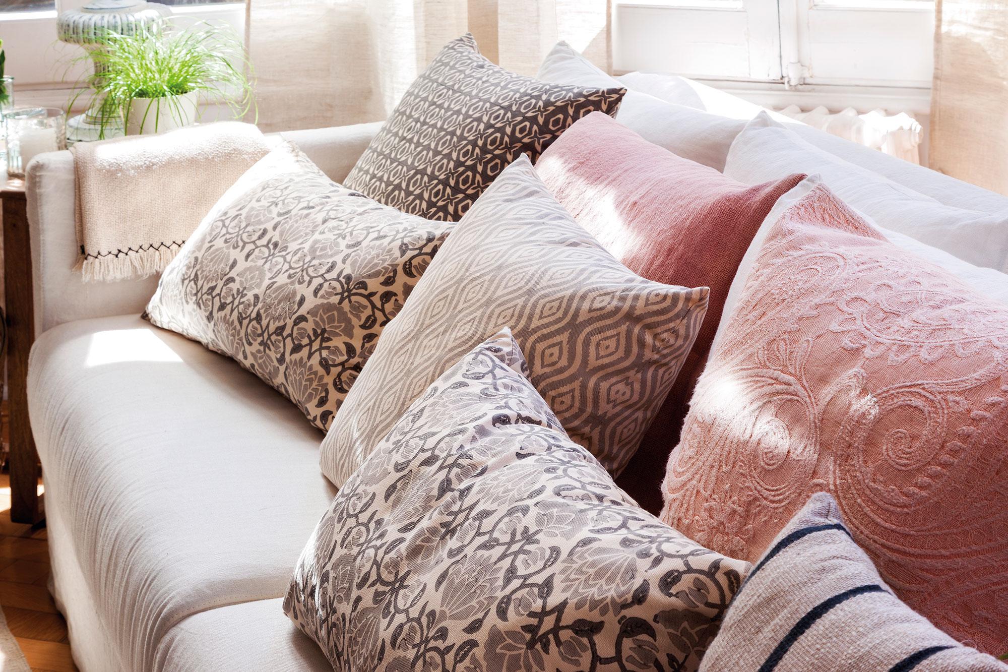 Millennial pink 10 razones para enamorarse del color de - Sofa de cojines ...
