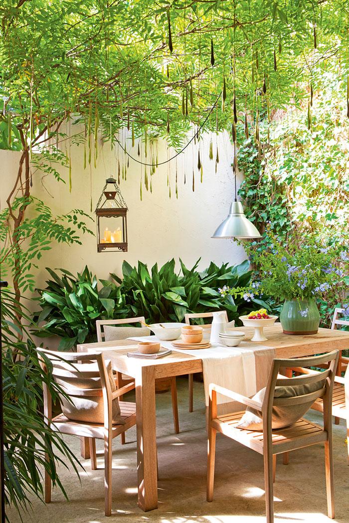 Patios y terrazas oasis de paz y tranquilidad sin salir - Muebles para terrazas exteriores ...