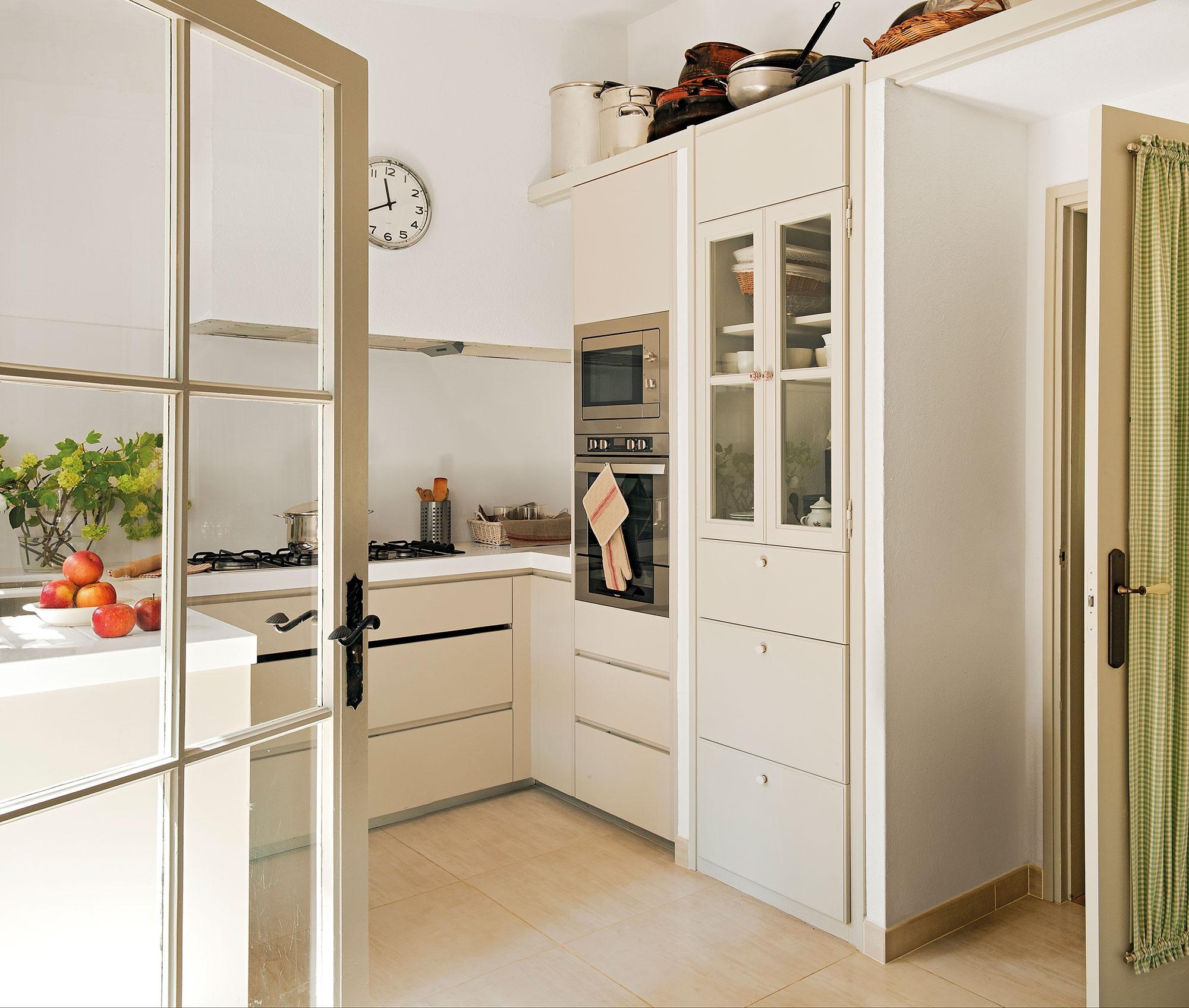 Cocinas Pequenas Claves Para Distribuirlas En U - Cocinas-pequeas-y-practicas