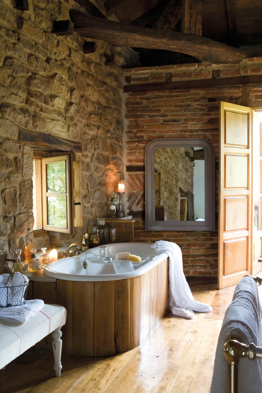 12 ba os r sticos para inspirarte for Pavimentos rusticos para interiores