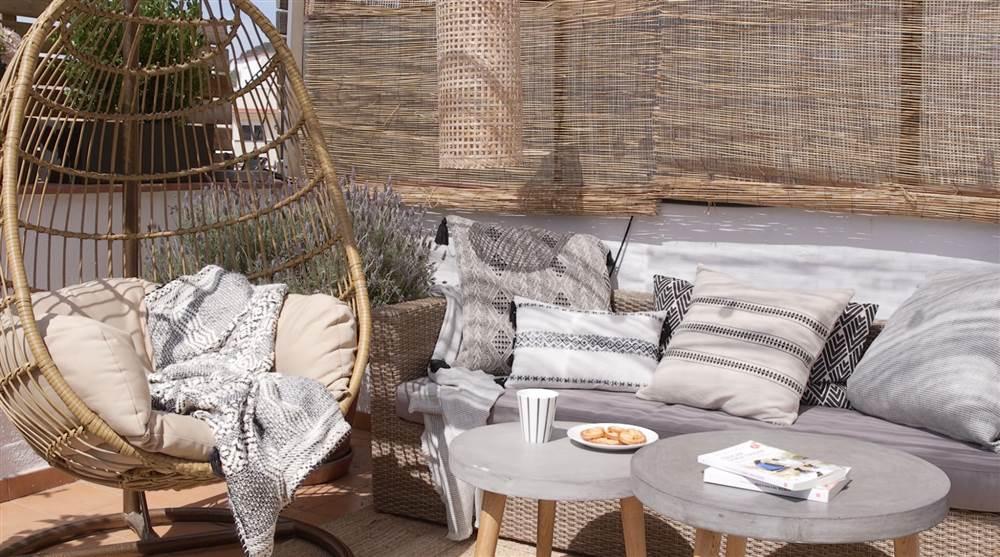 Ideas para decorar la terraza for Colchoneta sofa exterior