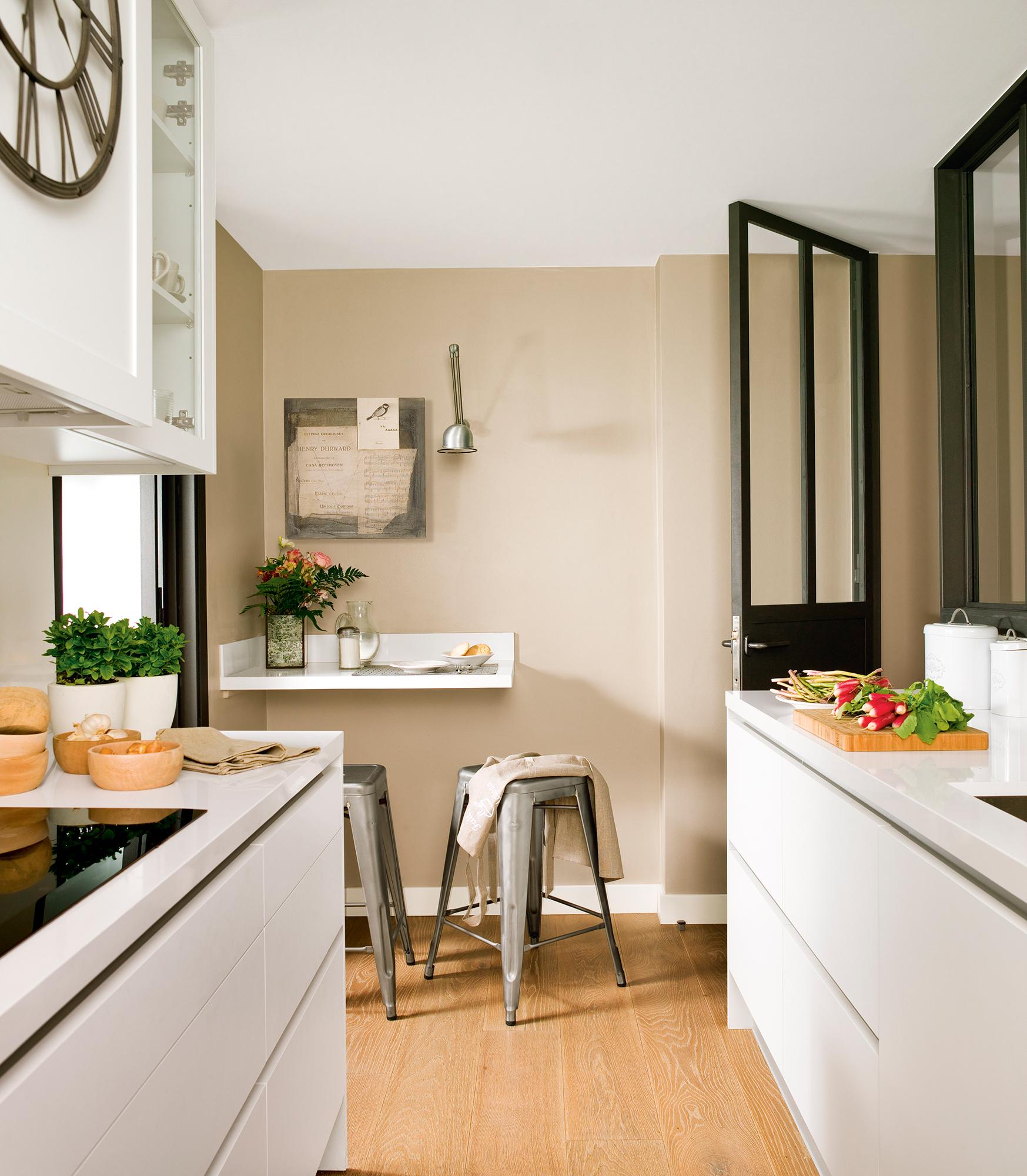 Cocinas pequeñas distribuidas en paralelo