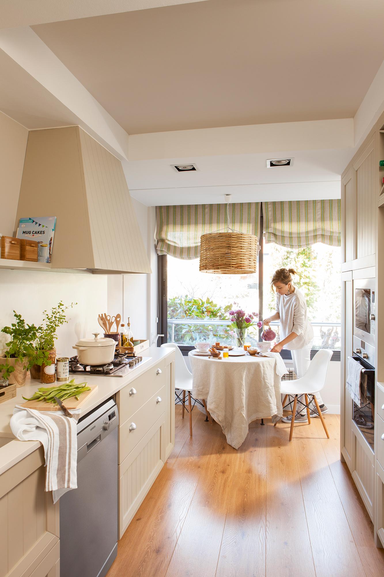 Amueblar cocina alargada y estrecha beautiful una cocina for Amueblar cocina estrecha