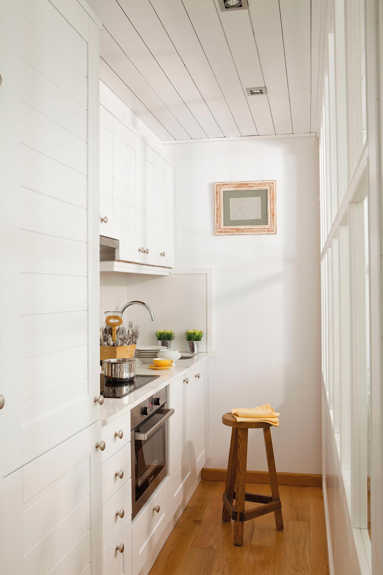 Cocinas peque as en un solo frente for Cocinas integrales para casas muy pequenas