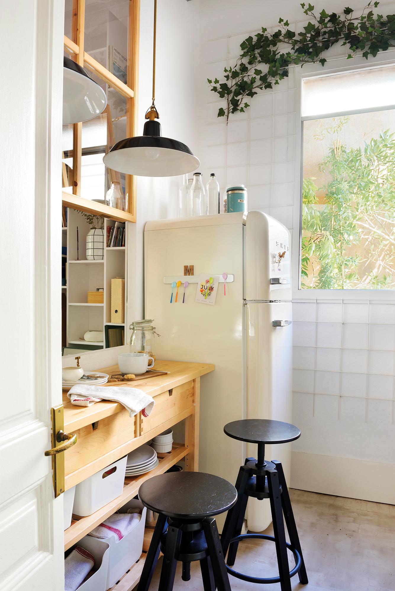 Cocinas peque as en un solo frente for Cocina office pequena