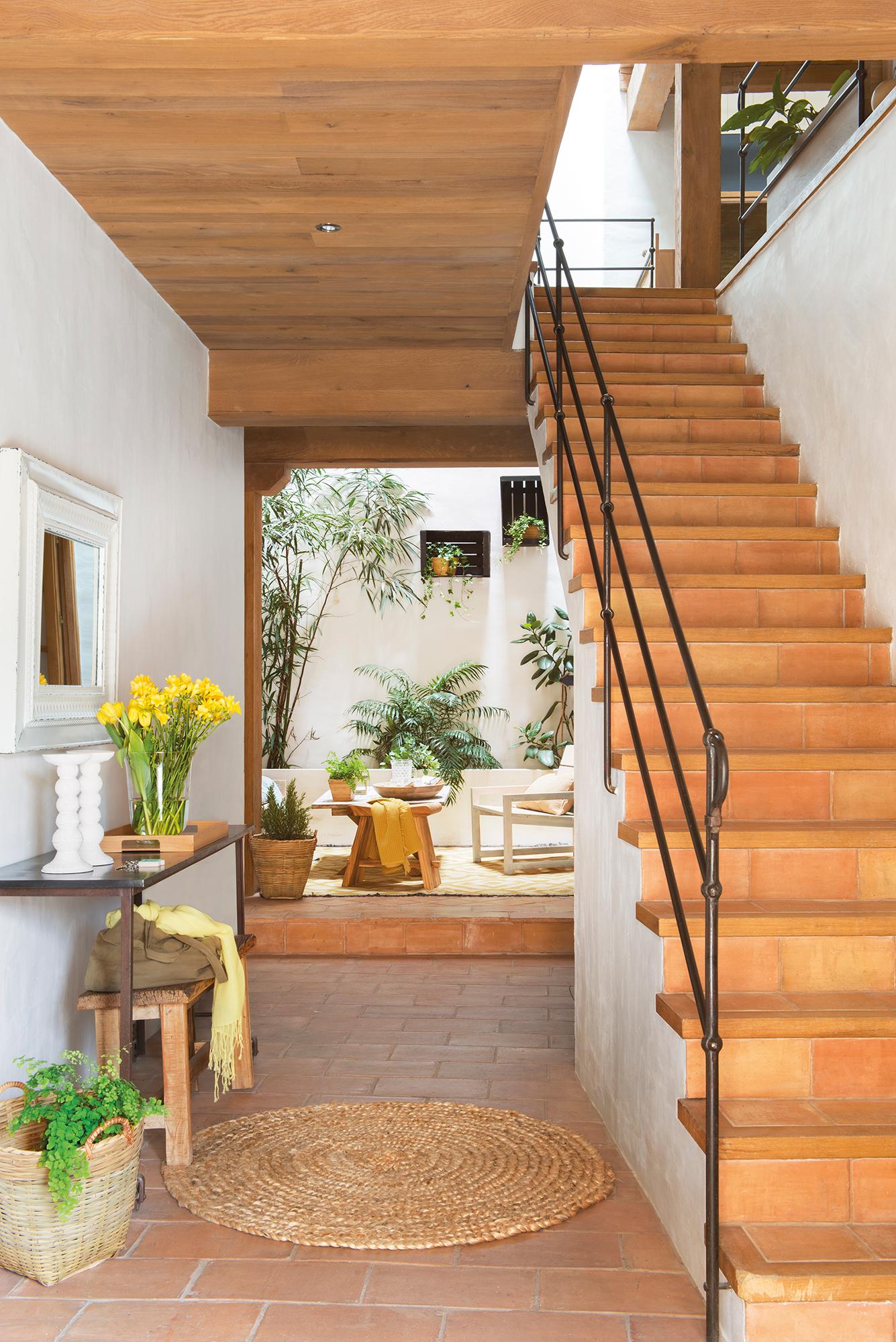 Escaleras c mo planificarlas con acierto for Como hacer una escalera de madera para segundo piso