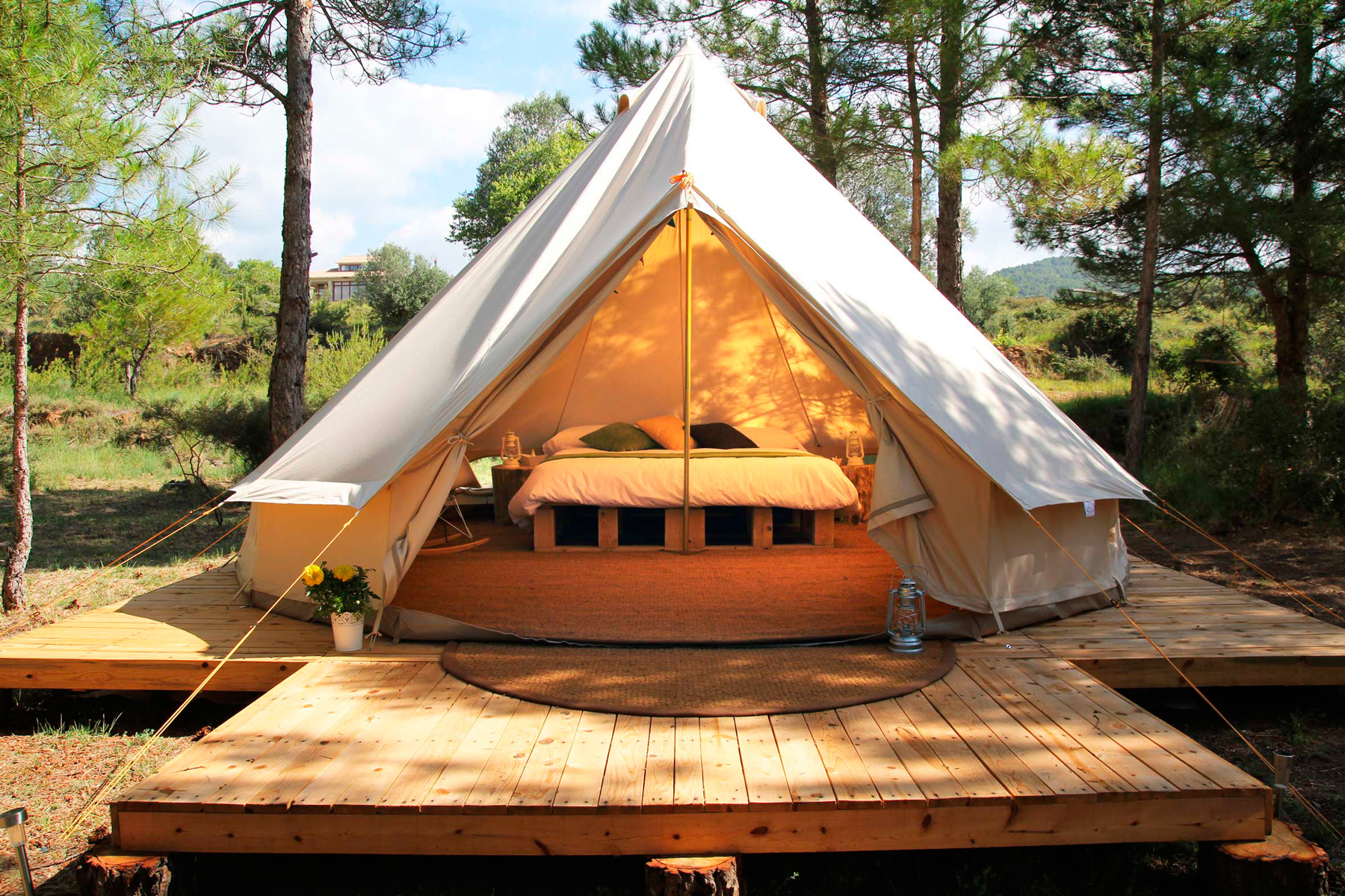 o ForestDays 0001. Eco-glamping