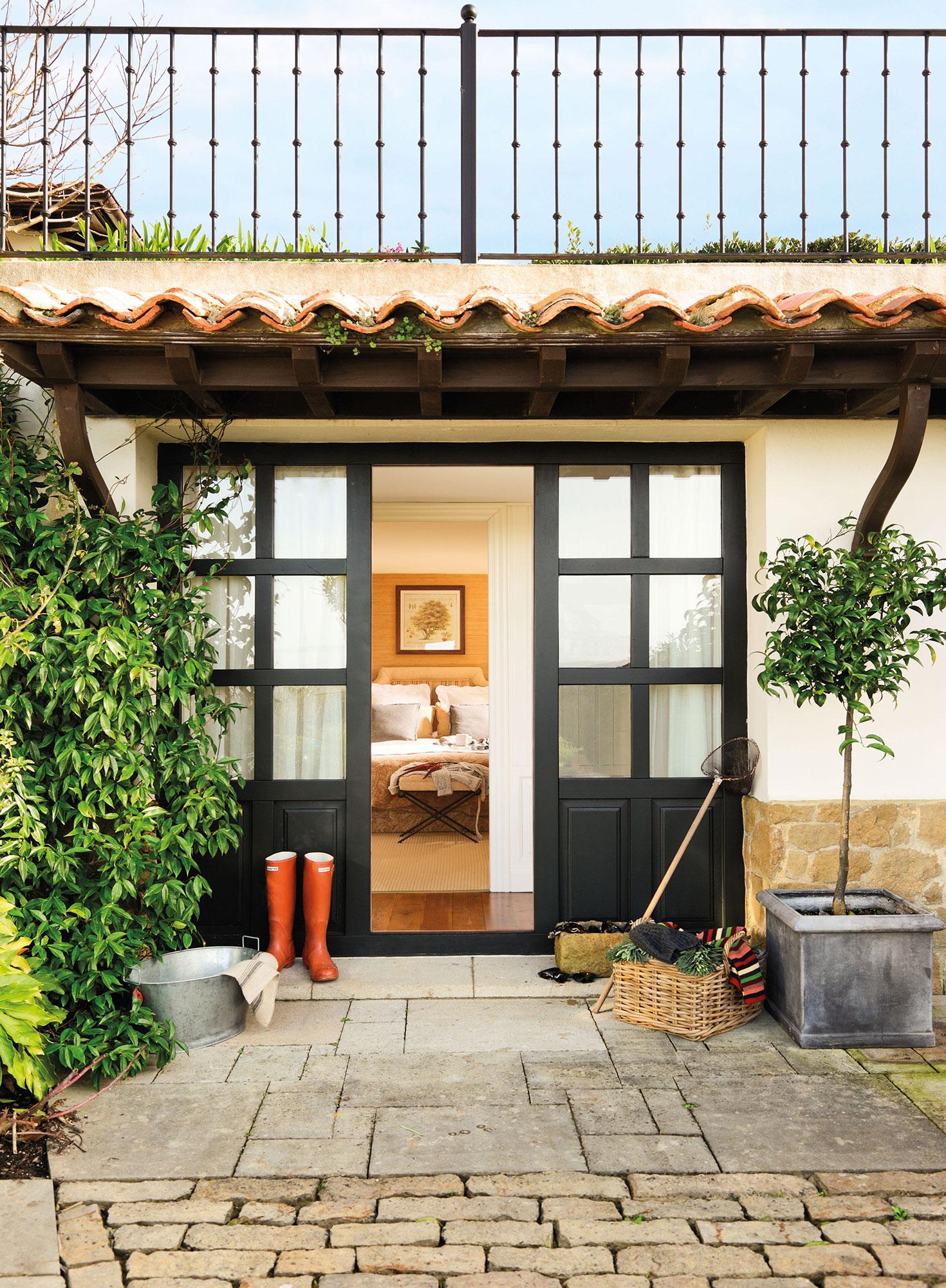 Puertas de granero de moda en decoraci n - Puertas acristaladas exterior ...