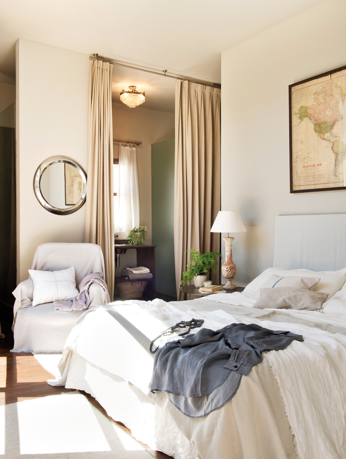 Dormitorios blancos dormitorios blancos dormitorio for Cortinas para dormitorio blanco
