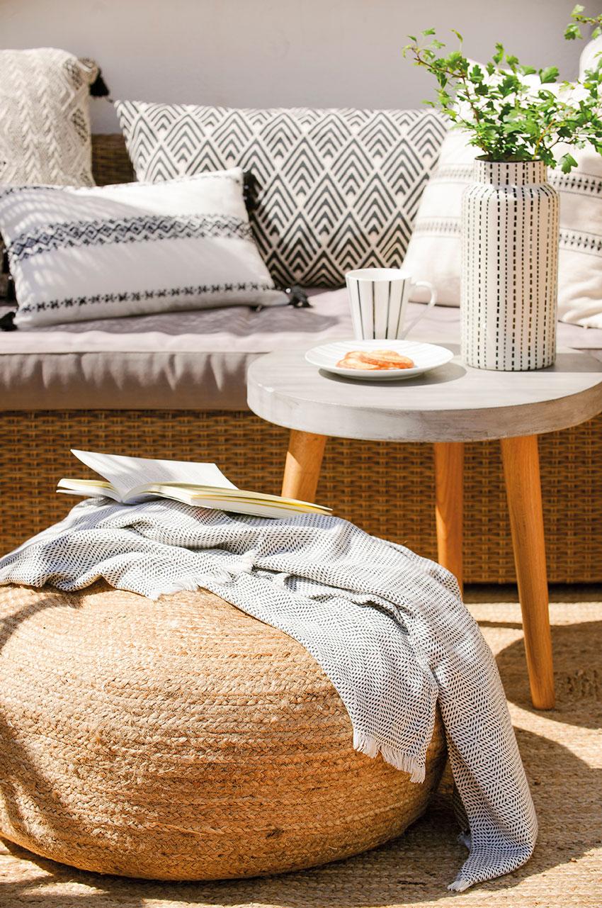 Dale un twist a tu terraza - Mesa de centro con puff ...