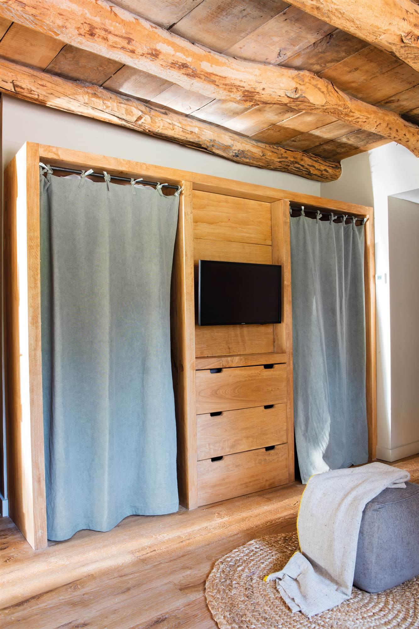 Armarios para el dormitorio for Cortinas para puertas de armarios