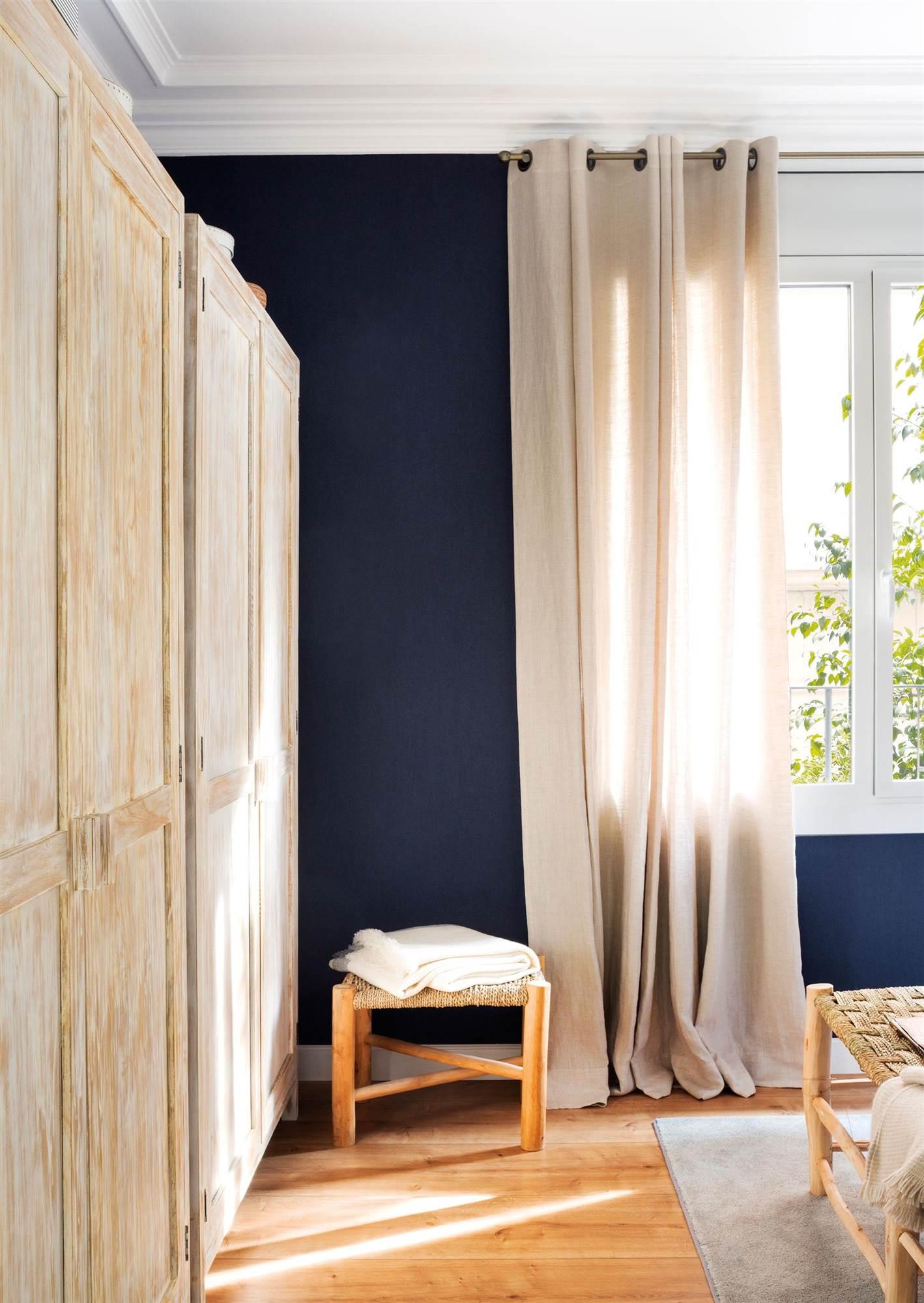 Armarios para el dormitorio for Modelo de tapiceria para dormitorio adulto