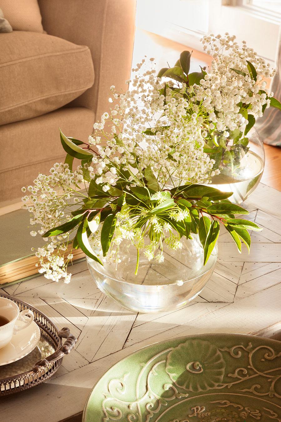La mesa de centro perfecta consejos para decorarla bien - Sobre de cristal para mesa ...