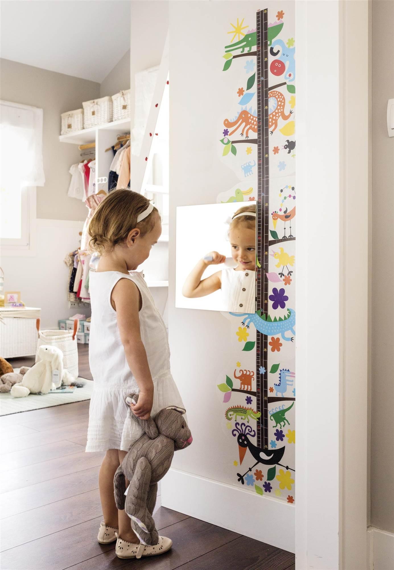 Ni os muebles y decoraci n de habitaciones infantiles for Espejo retrovisor ninos