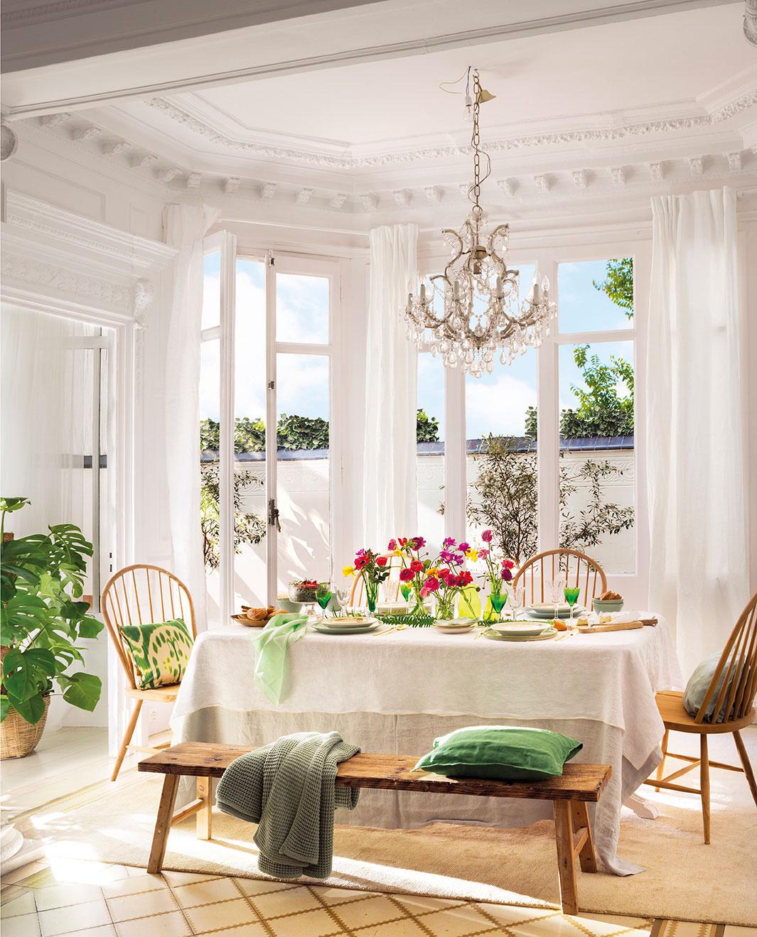 Esta mesa es para compartir de d a y de noche - Que poner encima de una mesa de comedor ...