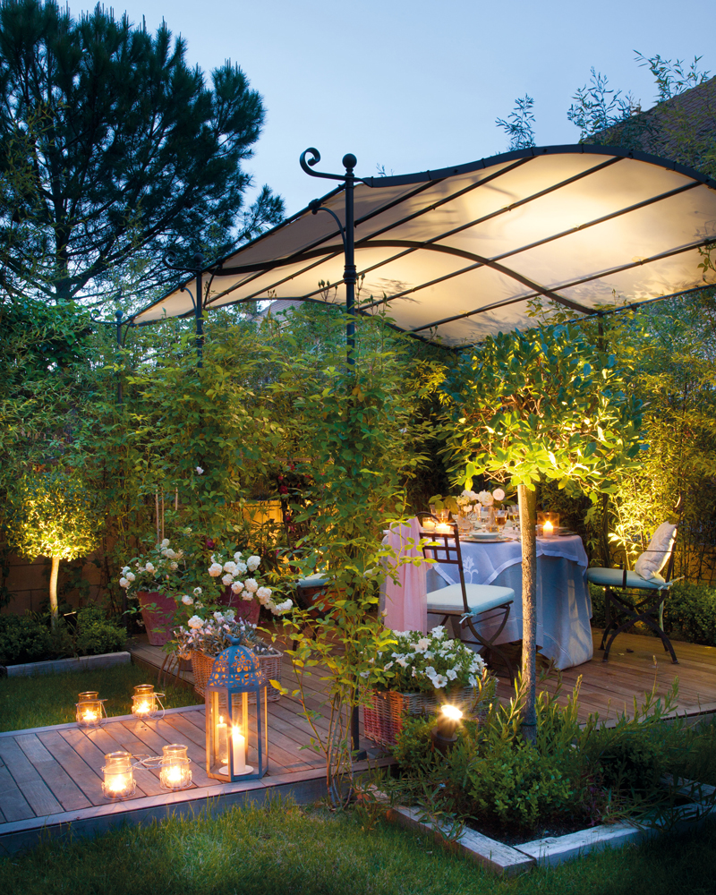 C mo decorar la terraza o el porche por la noche - Farolillos de exterior ...