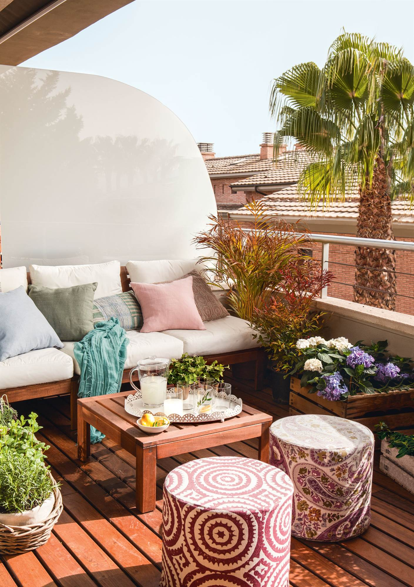 Patios chill out perfect moroccan inspired shaded covered outdoor chill out sitting area with Como decorar un patio
