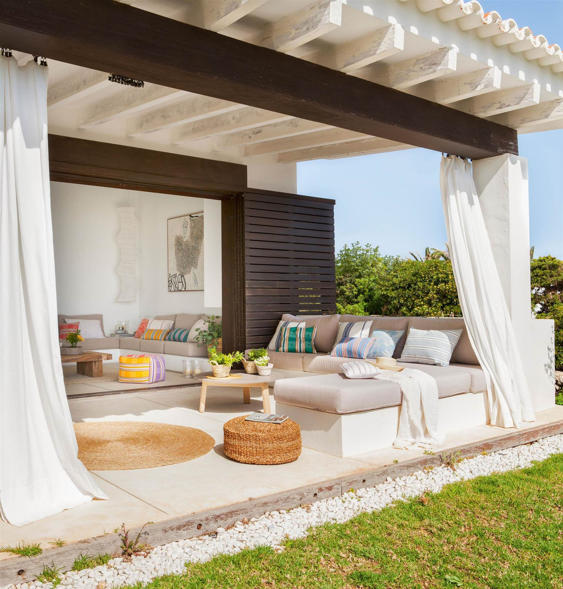 Crear un rinc n chill out en casa for Tipos de techos para porches