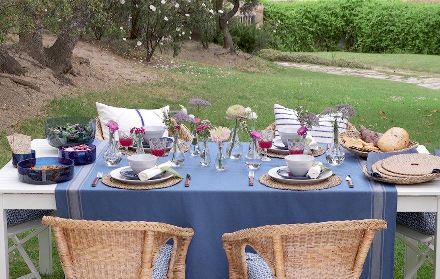 C mo vestir y decorar la mesa de verano - Sillas de fibra natural ...