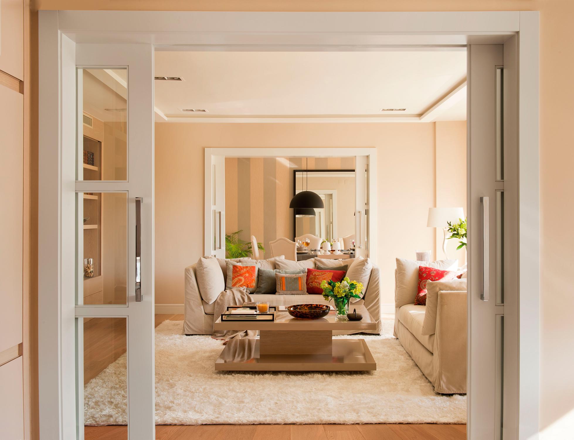 Puertas blancas con parquet top image with puertas for Puertas correderas comedor