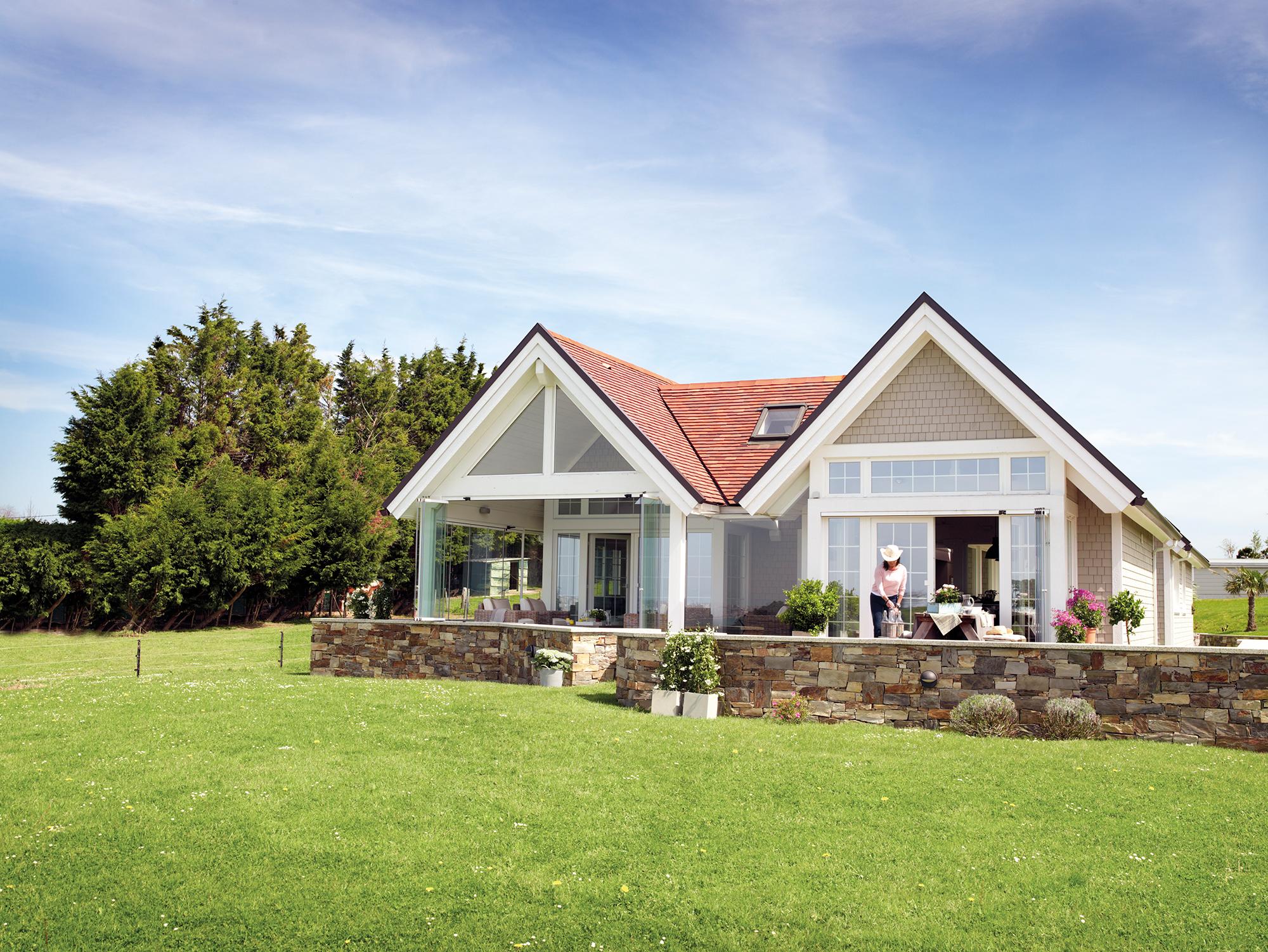 Casas de madera pros y contras for Casas con jardin